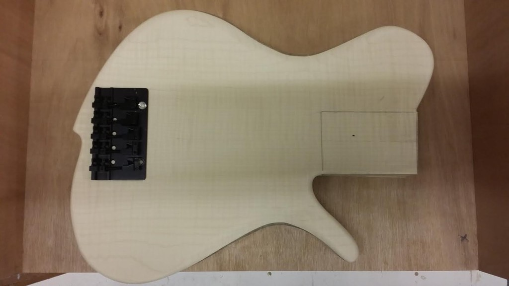 Construção caseira (amadora)- Bass Single cut 5 strings - Página 2 Unnamed_10