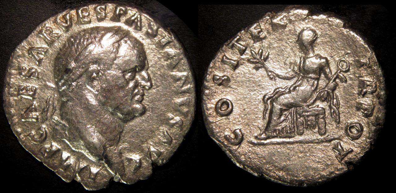Denario Vespasiano. COS ITER TR POT. Pax sedente a izq. Roma. Vespasiano