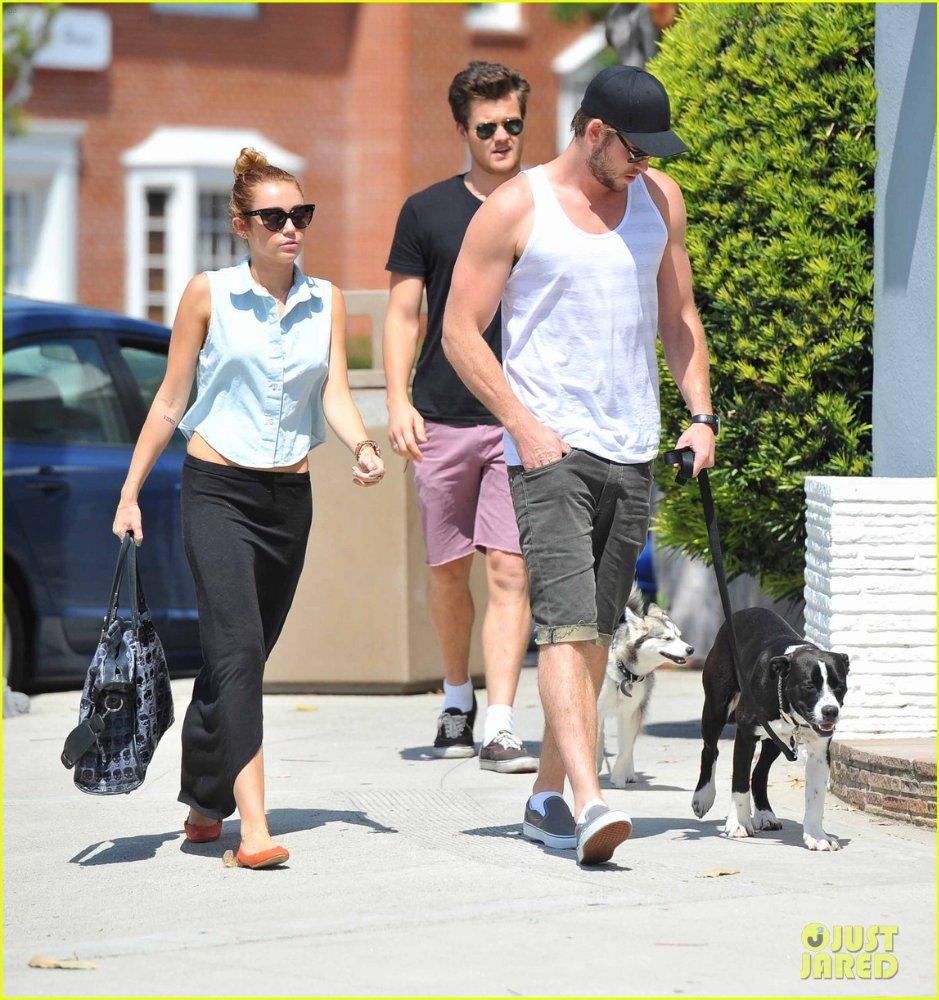 Miley Cyrus - Страница 2 930d2ac62f97