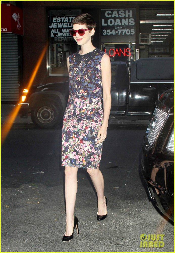 Anne Hathaway/Энн Хэтэуэй - Страница 3 Bf7f35640914