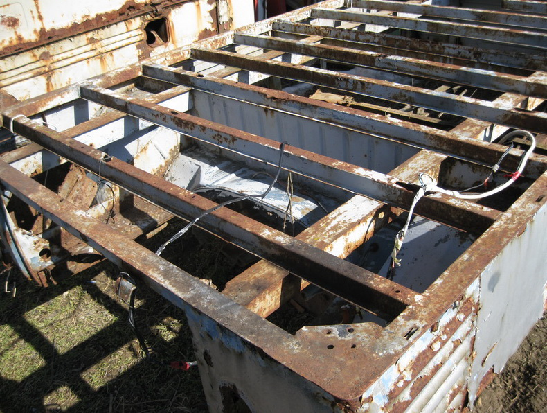 Single cab with enlarged wood bed 1960 IMG_1994