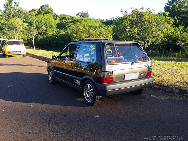 Auto Storiche in Brasile - FIAT - Pagina 6 Uno_1_6_R_foto_14
