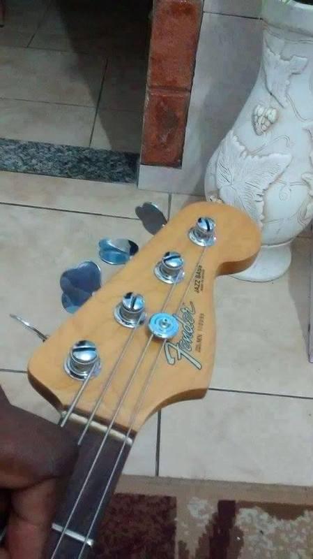 Fender Jazz Bass MIM, este é original? Image