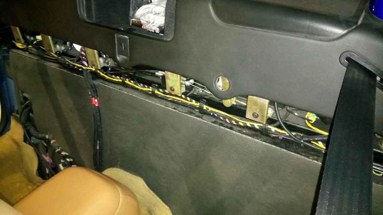 Capote bloquée comme si capotage en cours - 4200 Spyder DSC_0468