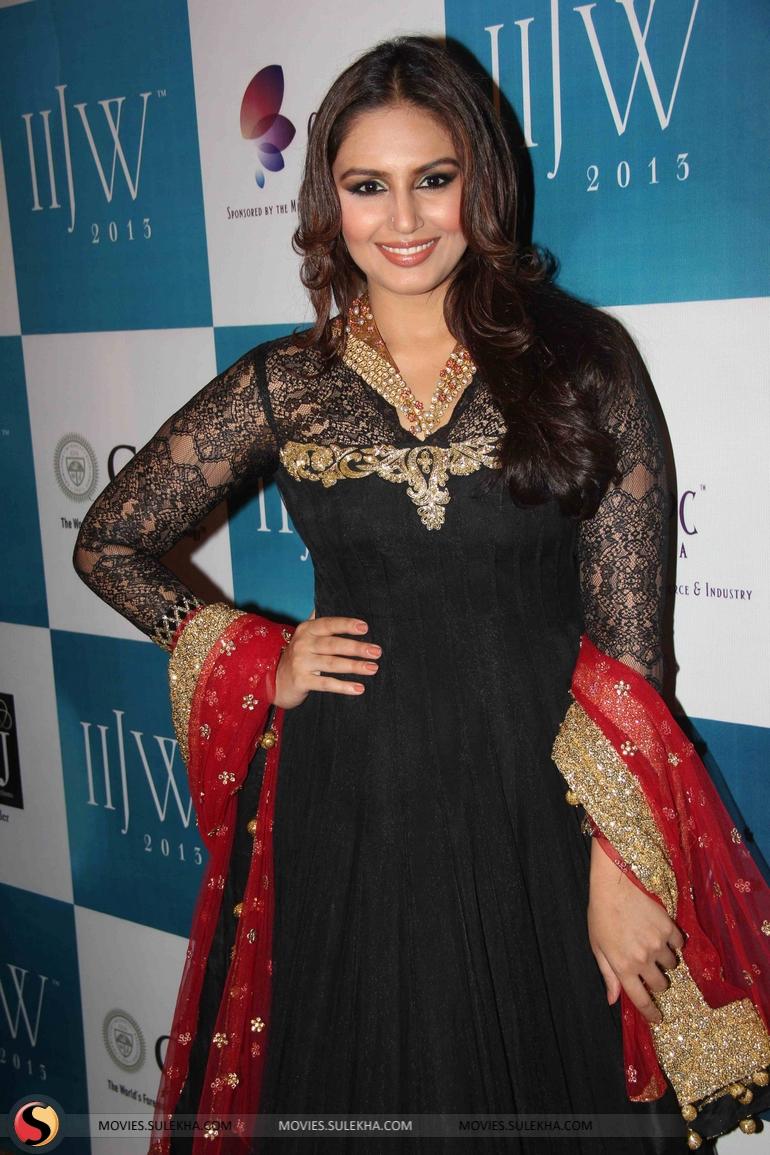 Huma Qureshi panty