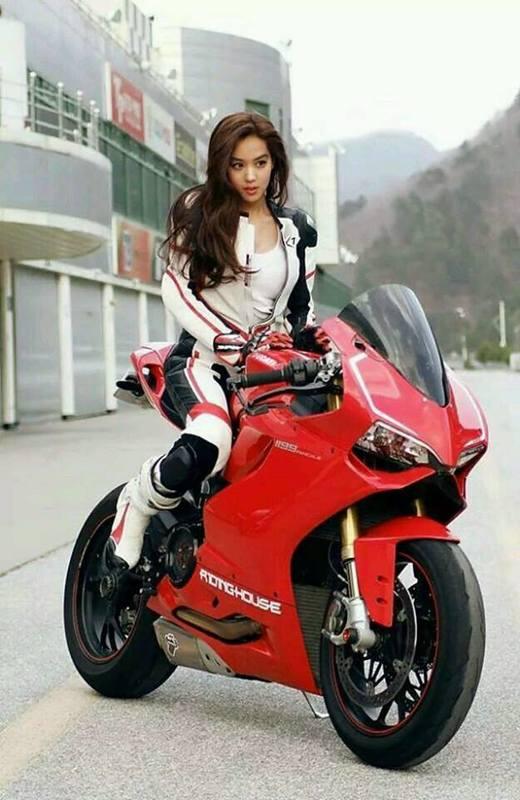 Ljepotice i motori - Page 21 17352280_1930649573821766_7429539078602780696_n
