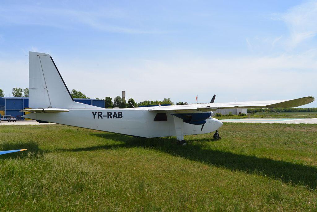 Britten-Norman BN-2 Islander - Pagina 2 DSC_1707_1