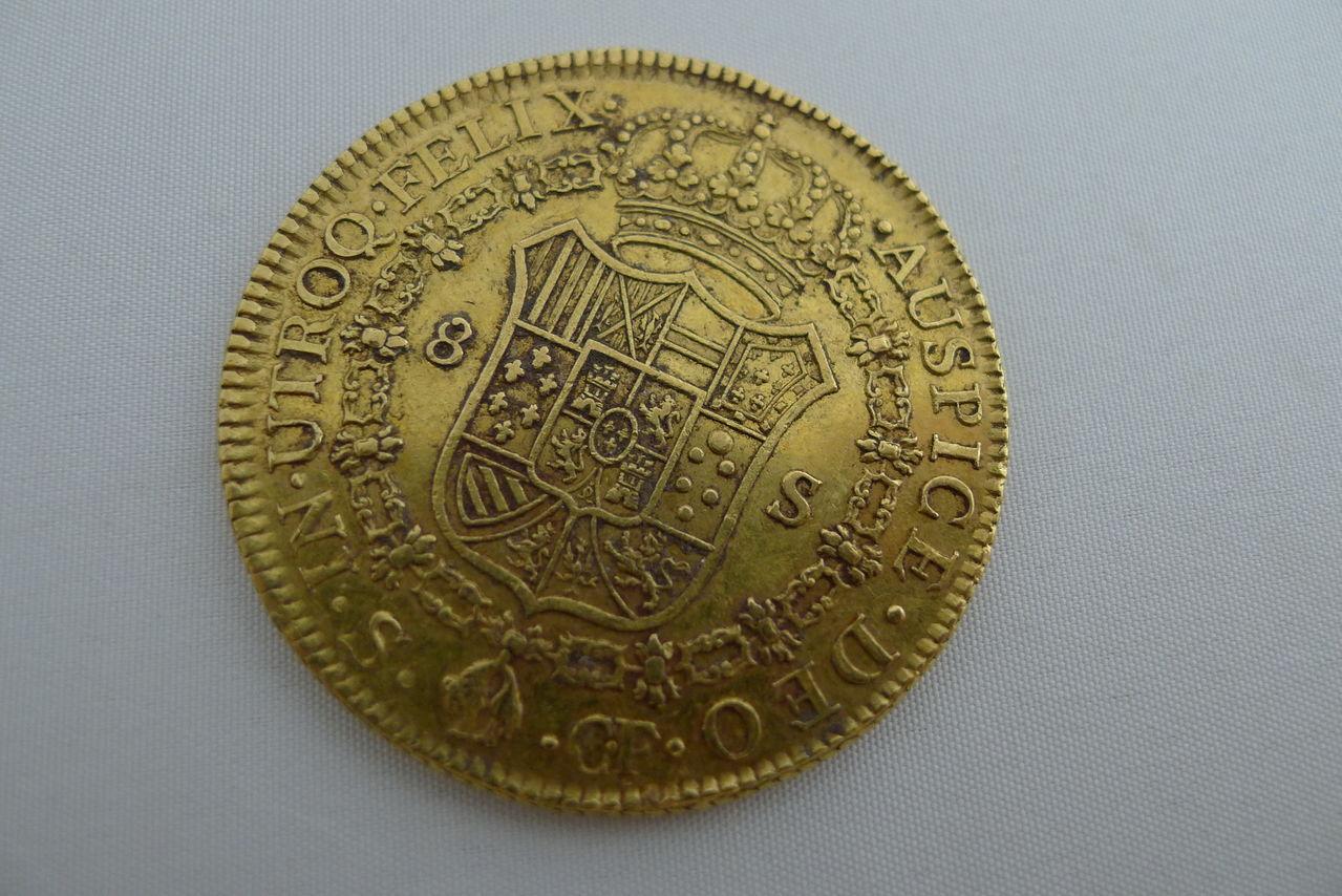 8 escudos de Carlos III, Sevilla. 1773. Carlos_III_1773_3