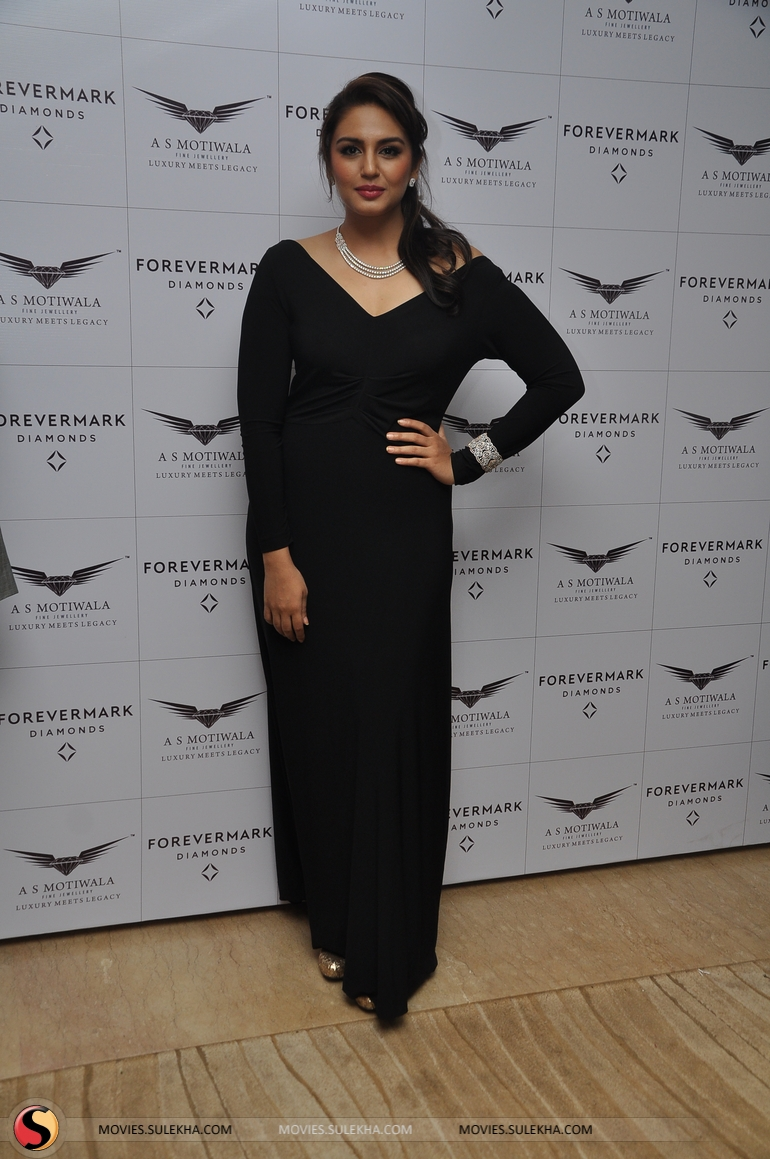 Huma Qureshi in black dress