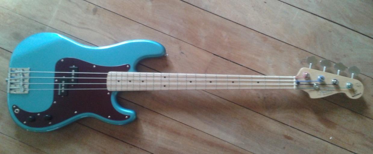 Comprando Fender Precision, dúvidas Montado