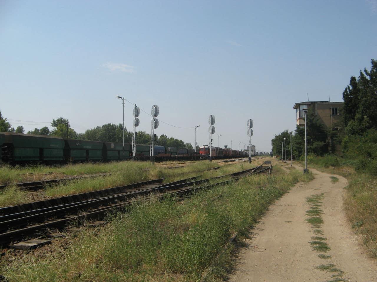Calea ferată directă Oradea Vest - Episcopia Bihor IMG_0078