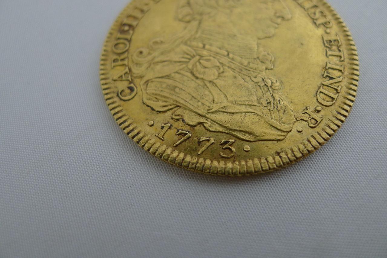 8 escudos de Carlos III, Sevilla. 1773. Carlos_III_1773_2