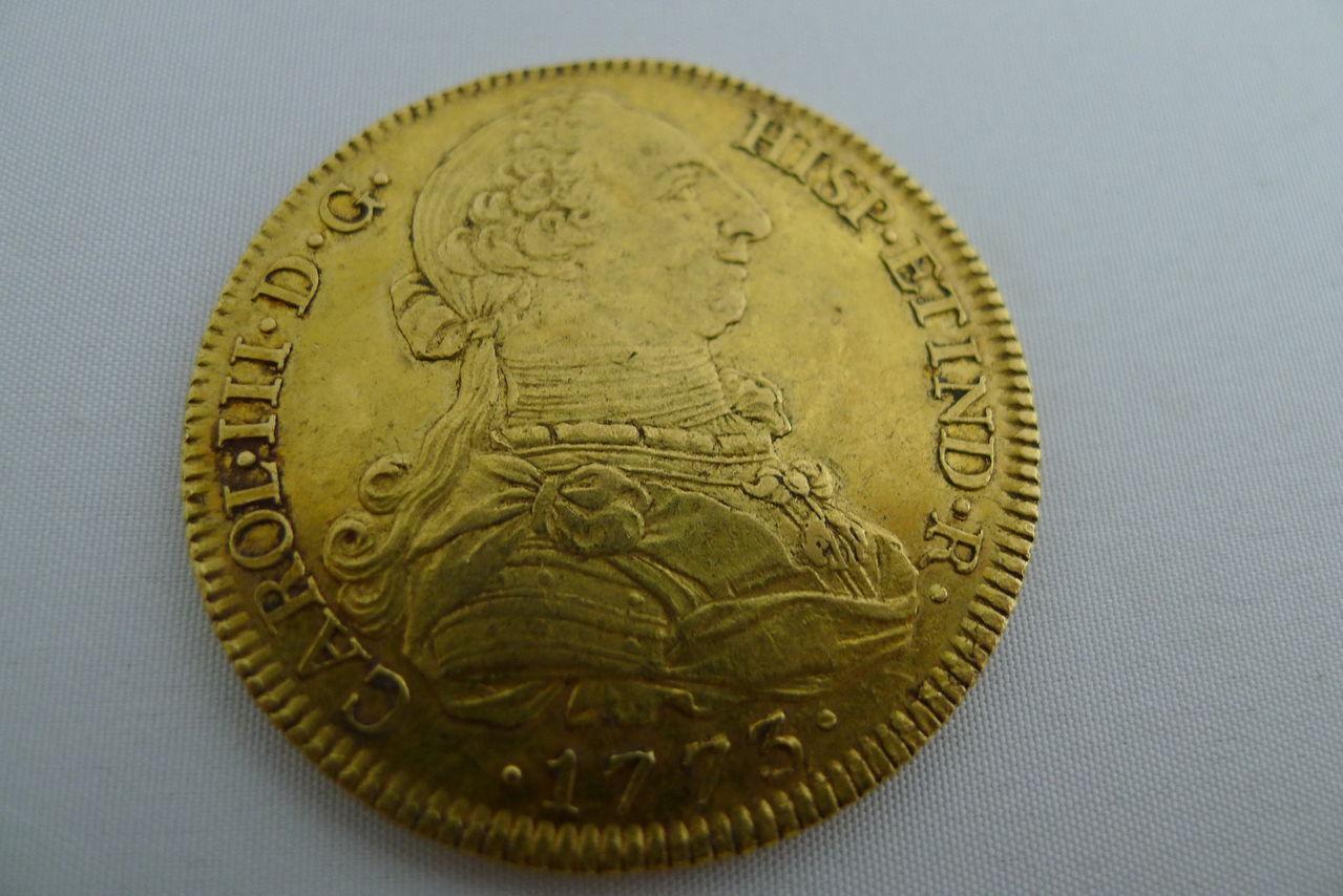 8 escudos de Carlos III, Sevilla. 1773. Carlos_III_1773_1