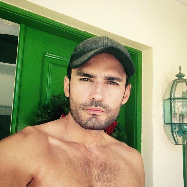 Fabian Rios/ფაბიან რიოსი - Page 5 CYf_Qu_DLUk_AA7_Qo_N