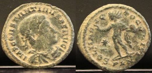 AE2 de Constantino I. SOLI INVIC-TO COMITI. Ceca Londinium. Constantino