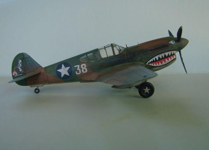 P-40E, Hobby Boss, 1/72 DSC03366