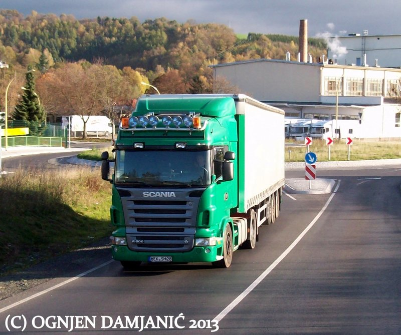 Scania R         - Page 12 100_8331