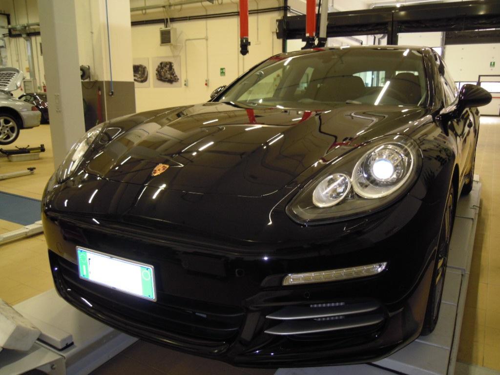 solo 48 ore, ovvero Flavia e Angelo VS Porsche Panamera Finita