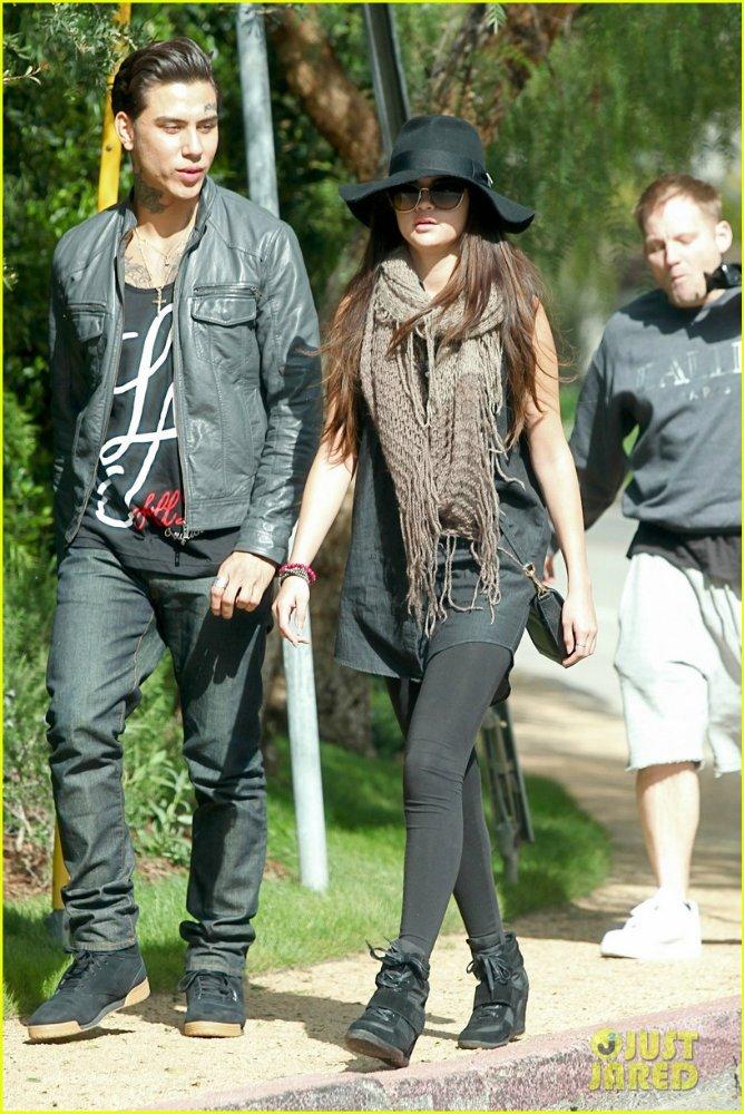 Selena Gomez | Селена Гомес - Страница 8 41900125ecac