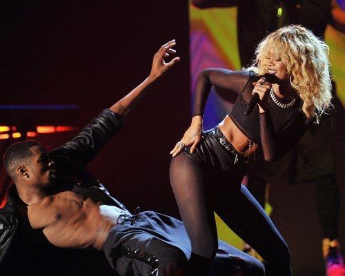 Rihanna  - Страница 2 5427d1c7651b