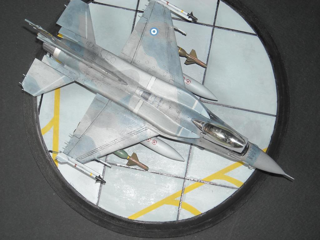 Haf F-16 x2 στην 1/72 DSCN7347