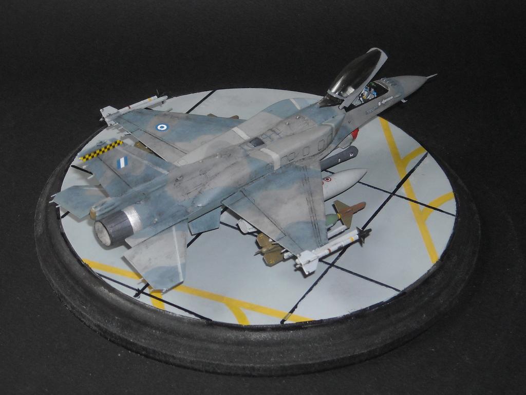 Haf F-16 x2 στην 1/72 DSCN7345