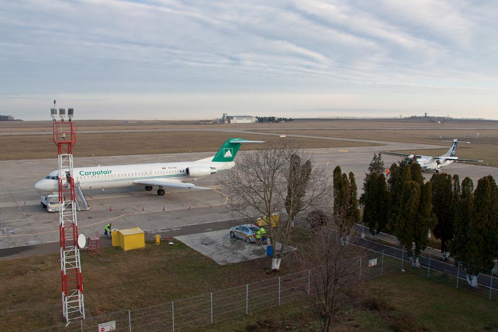 Aeroportul Suceava (Stefan Cel Mare) - Decembrie 2013  IMG_4834