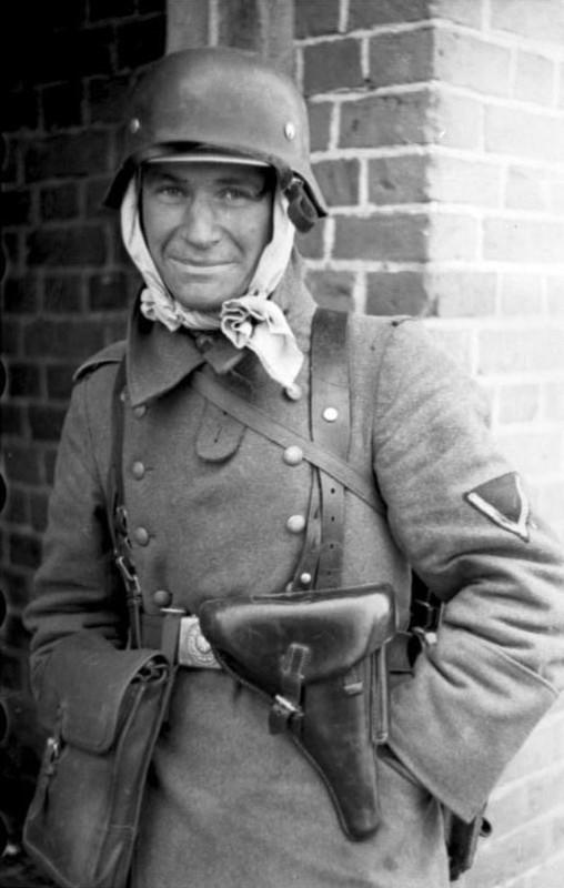casco - Mis apuntes de WWII Funda_luger