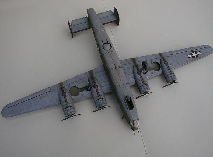 B-24J Liberator ,Airfix ,1/72 DSC04430