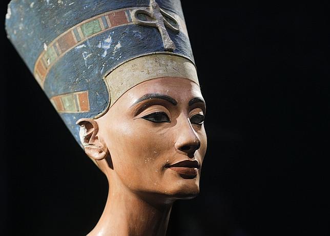 La Belleza...cómo identificarla. - Página 2 Nefertiti-museo-berlin