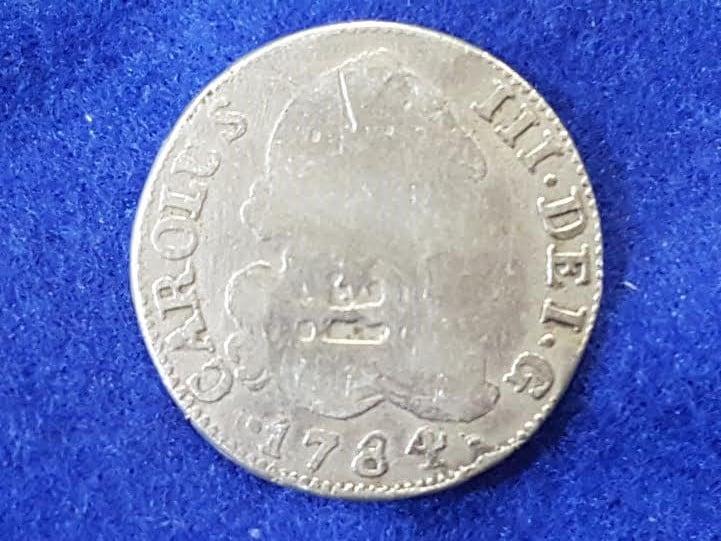 2 Reales Carlos III Resello de Vique, Raro reverso R867