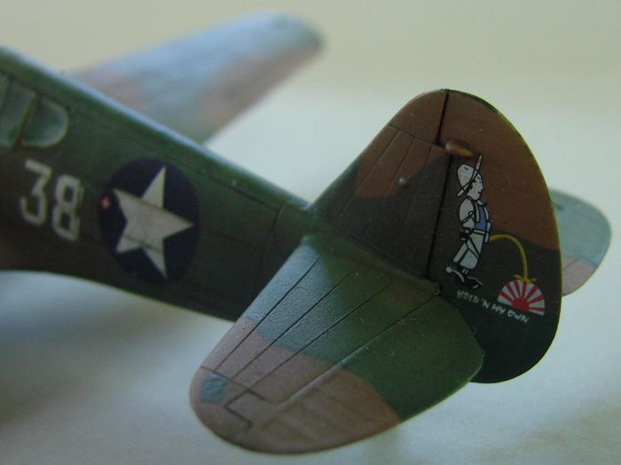 P-40E, Hobby Boss, 1/72 DSC03378