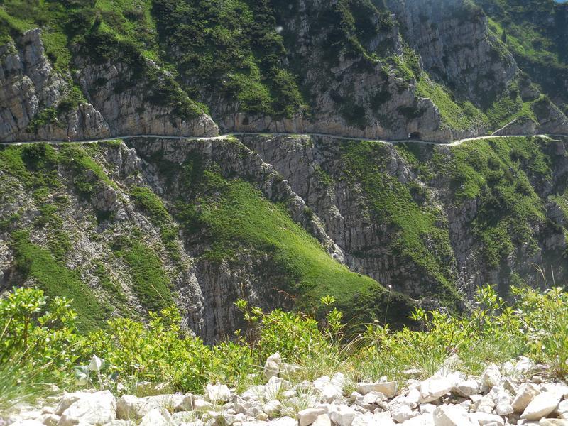 Zanimljivi putevi, staze, ceste DSCN0824