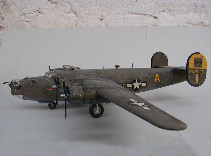 B-24J Liberator ,Airfix ,1/72 DSC04418