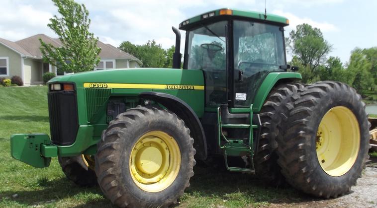 Hilo de tractores antiguos. - Página 22 JD_8300