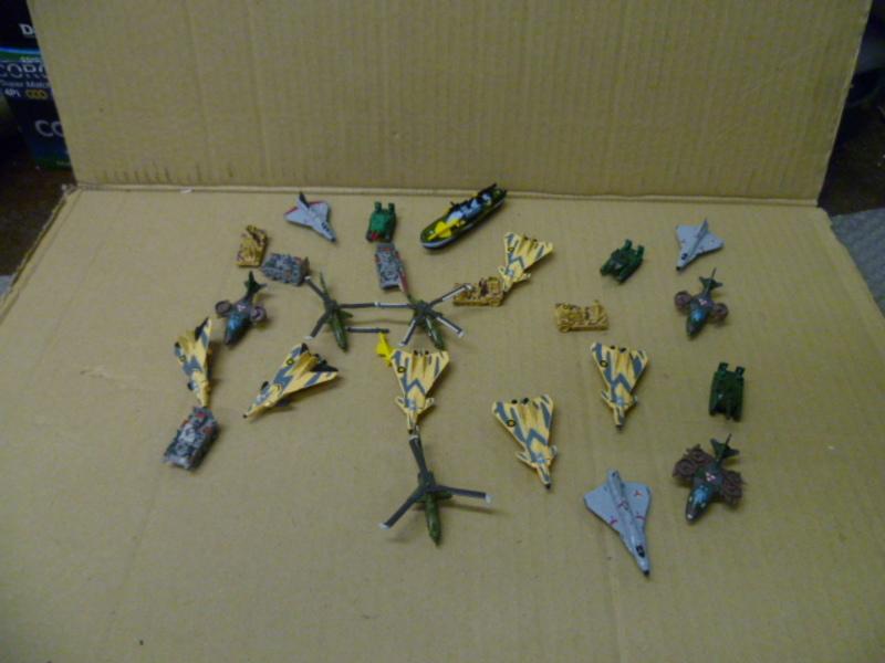 cerco MICROMACHINES Z-Bots Robot Transformers L.G.T.I .Galoob Da_collezione_010