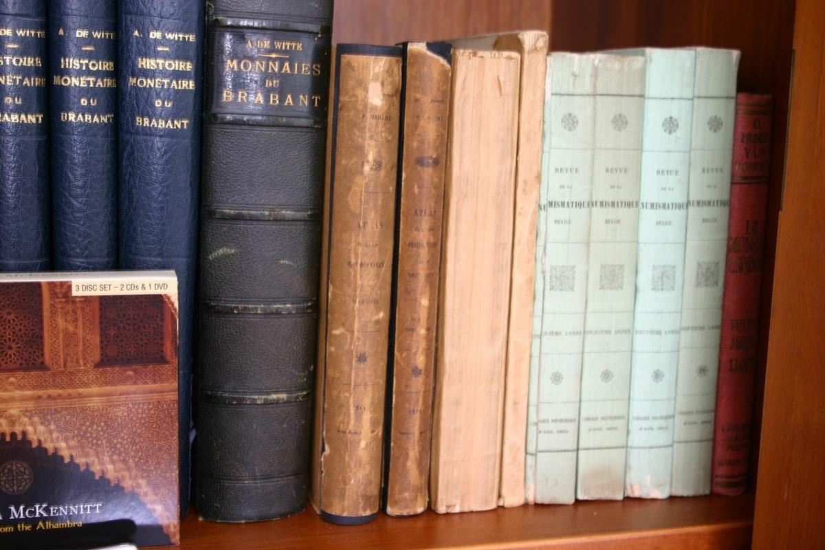 Mi humilde biblioteca IMG_1540