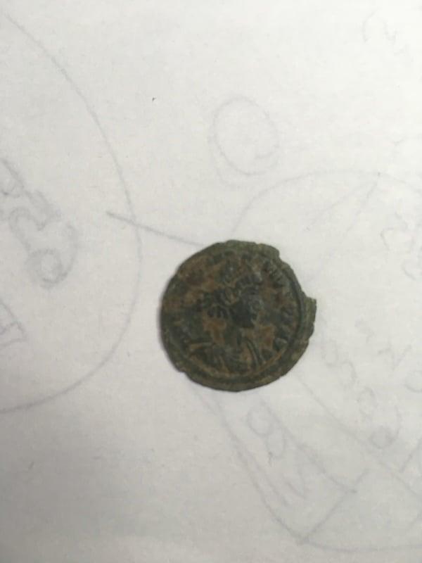 AE de Constancio II, tipo FEL TEMP REPARATIO, soldado romano alanceando a jinete caído. IMG_1628
