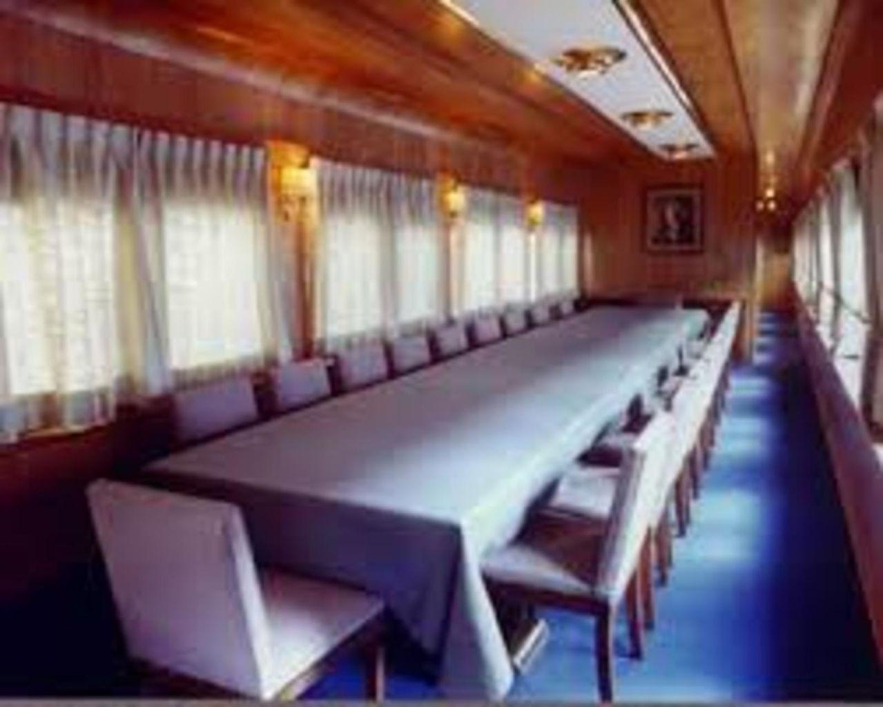 Tren oficial  EL OLIVO- medio histórico de servicio a los Presidentes en turno  TRENESPRESIDENCIALESACTUALES4