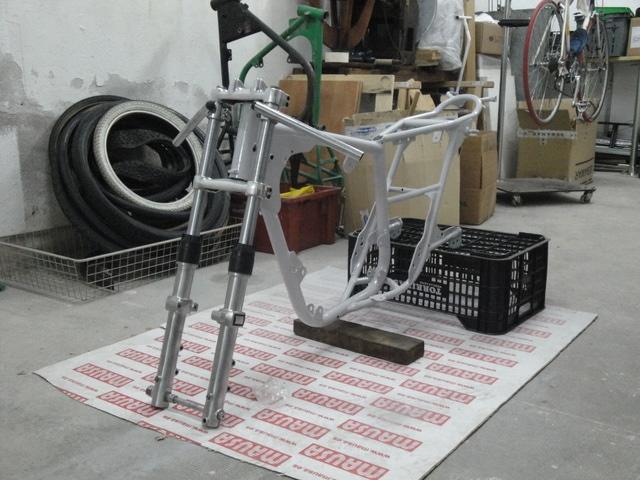 Reconstrucción Bultaco 24 Horas - Página 2 DSC04796