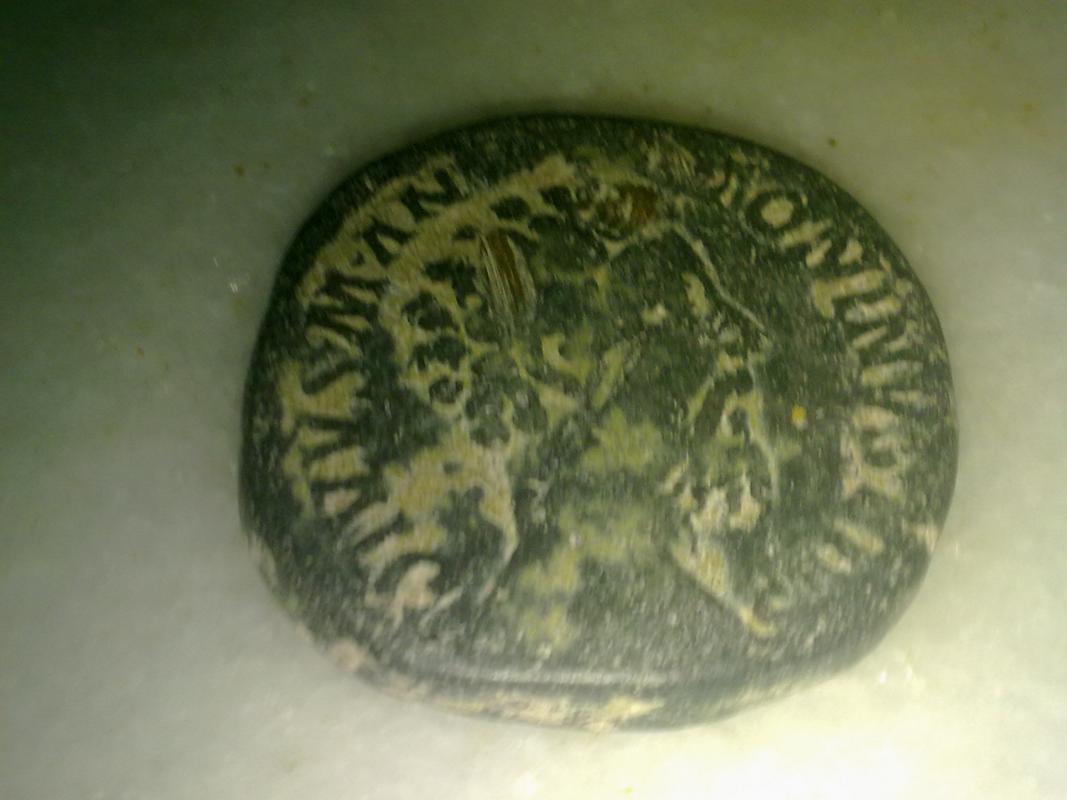 Sestercio póstumo de Marco Aurelio. CONSECRATIO. Emperador en águila. Roma 003