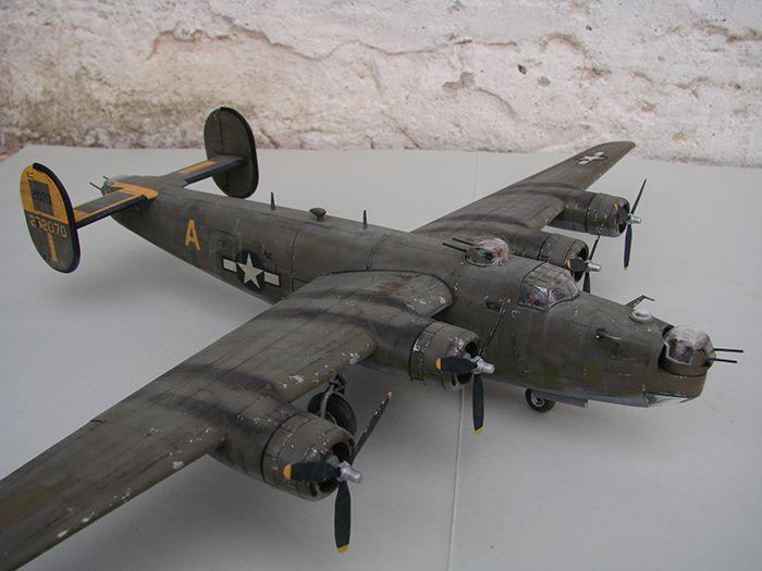 B-24J Liberator ,Airfix ,1/72 DSC04425