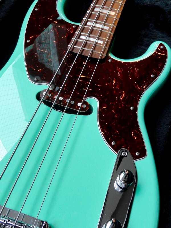 Review: Warmoth Custom '54 P-Bass via Tech 21 SansAmp Bass Driver DI V2 DSC07249