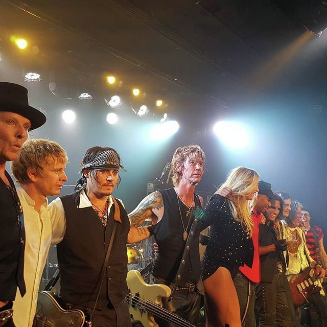 Le groupe Hollywood Vampires . - Page 4 1a7614f7d5c5