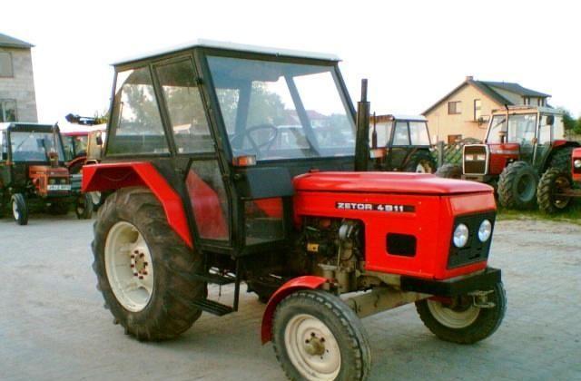 Hilo de tractores antiguos. - Página 5 Zetor_4911