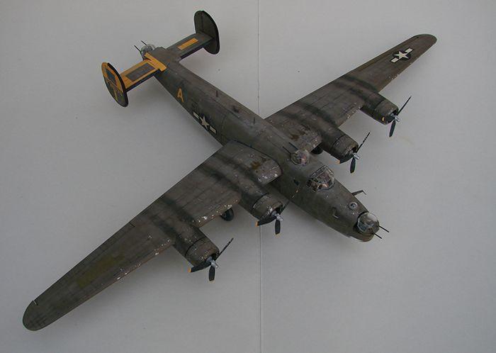 B-24J Liberator ,Airfix ,1/72 DSC04415