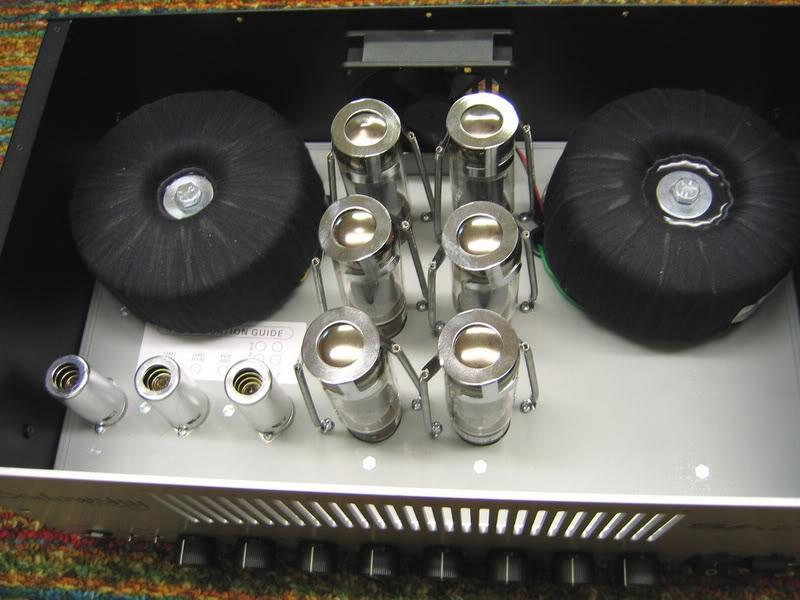 Novo amplificador experimental para contrabaixo SA200