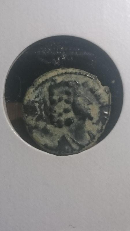 AE4 de imitacion bárbara de Helena tipo PAX PVBLICA. DSC_0001