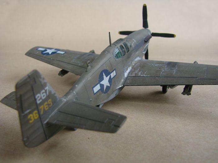 P-51 Mustang, Academy i P-51B Mustang (rebuild) Revell, 1/72 DSC02579