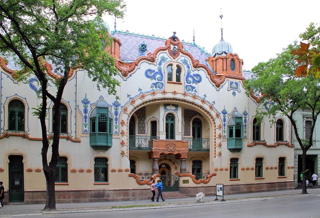 Grad Subotica - Page 3 Pa_ac_Rajhla_Galeria_Sztuki_Wsp_czesnej_w_Sub